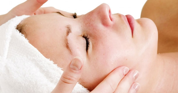 massaggio al viso